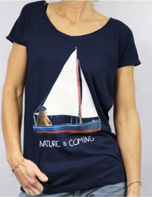 nature is coming femme bateau marine